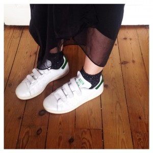 THANK GOD IT'S FRIDAY Jupe longue, Stan Smith velcro &…