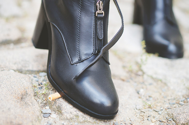 10_look_blog_mode_perfecto_vintage_cuir_robe_dentelle_boohoo_boots_noires
