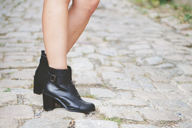 4_look_blog_mode_perfecto_vintage_cuir_robe_dentelle_boohoo_boots_noires