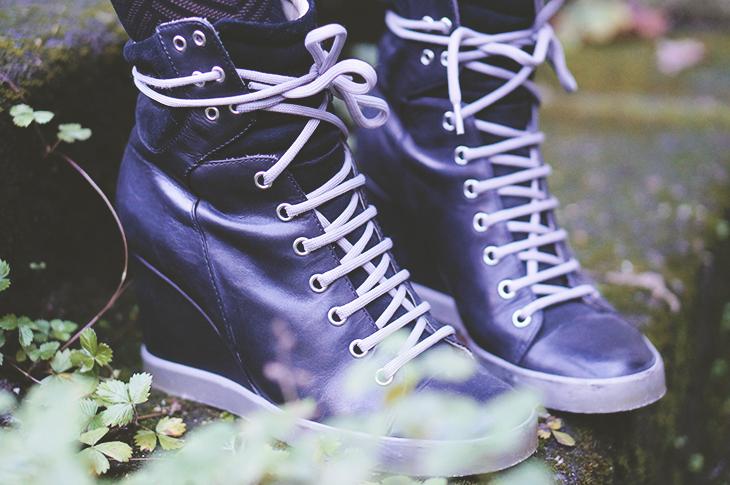 10_look_blog_mode_manteau_laine_cos_jupe_cuir_yas_sac_espritcuir_boots_see_by_chloe