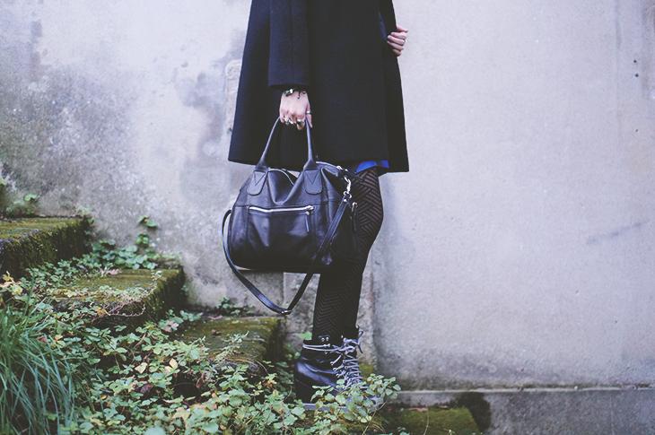 2_look_blog_mode_manteau_laine_cos_jupe_cuir_yas_sac_espritcuir_boots_see_by_chloe