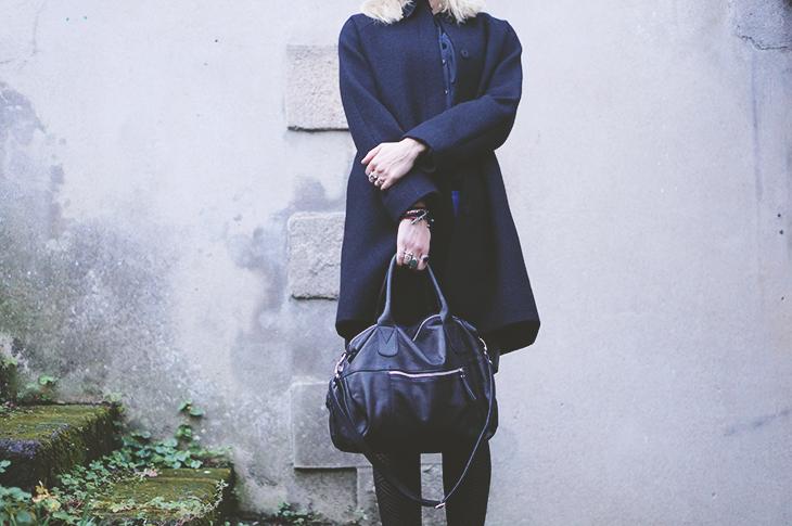 4_look_blog_mode_manteau_laine_cos_jupe_cuir_yas_sac_espritcuir_boots_see_by_chloe