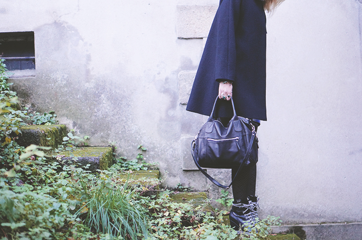 5_look_blog_mode_manteau_laine_cos_jupe_cuir_yas_sac_espritcuir_boots_see_by_chloe