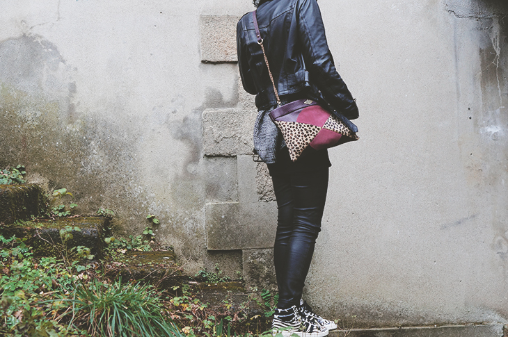 4_look_blog_mode_legging_cuir_shine_blossom_adidas_top_ten_zebre_sac_mohekann