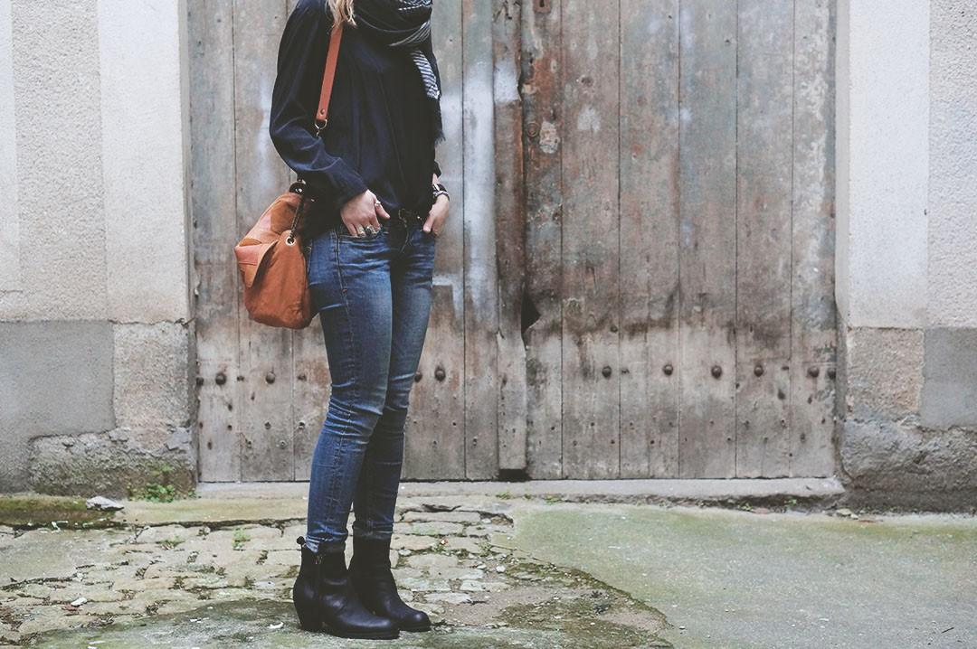 1_look_blog_mode_sac_charlie_heimstone_boots_pistol_acne_blouse_soie_zara