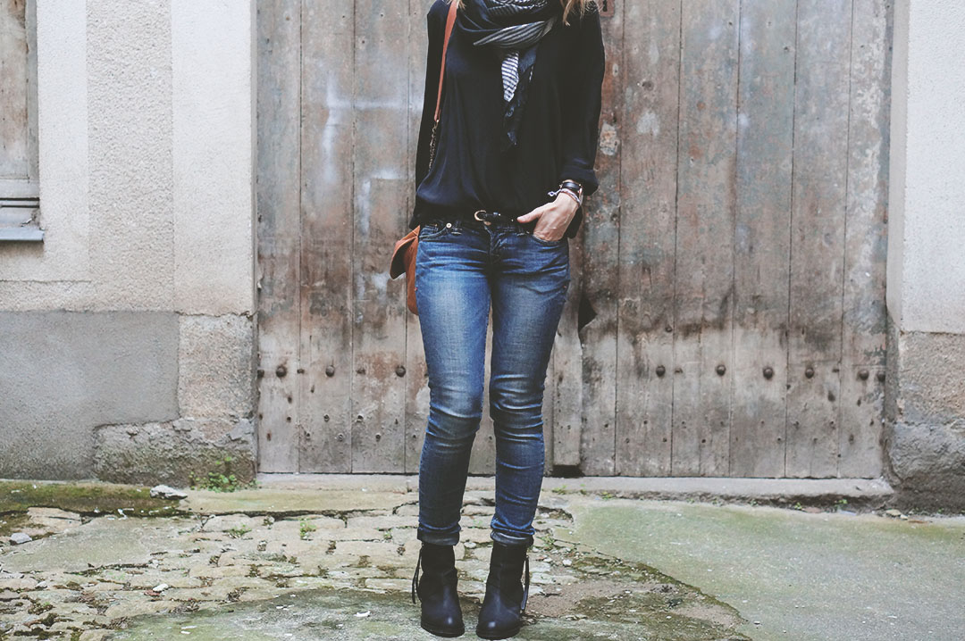 2_look_blog_mode_sac_charlie_heimstone_boots_pistol_acne_blouse_soie_zara