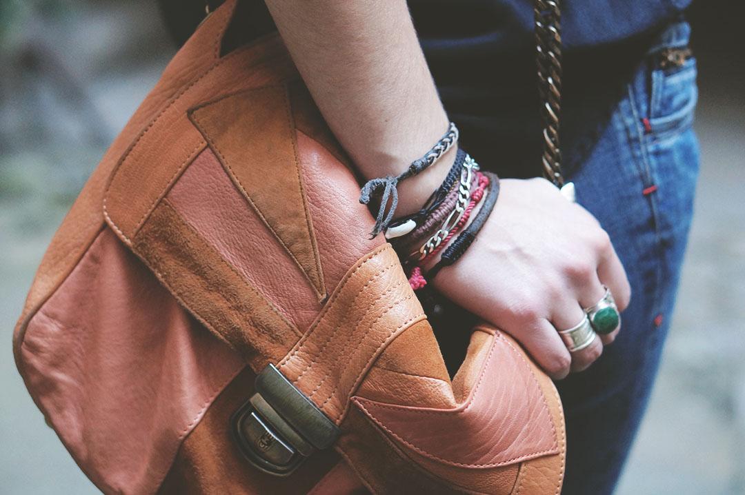 8_look_blog_mode_sac_charlie_heimstone_boots_pistol_acne_blouse_soie_zara