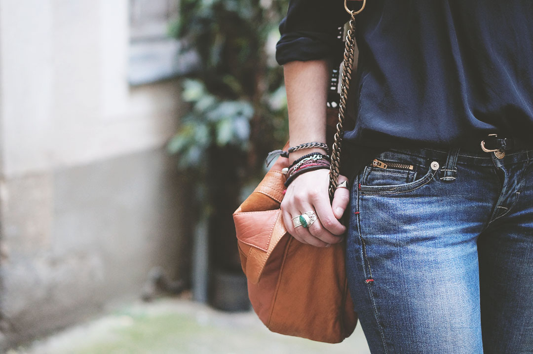 9_look_blog_mode_sac_charlie_heimstone_boots_pistol_acne_blouse_soie_zara